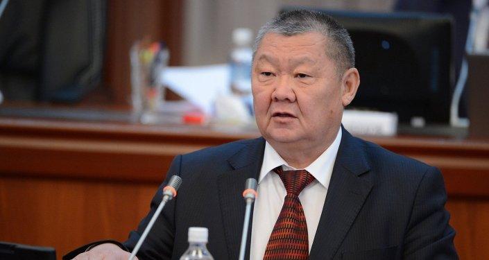 Экс-глава силового блока правительства Токон Мамытов. Архивное фото