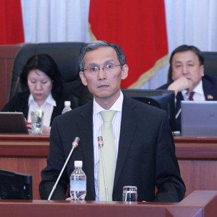 Жогорку Кенеш признал работу Правительства по проекту «Кумтор» неудовлетворительной