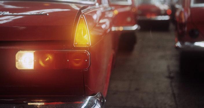 Автомобиль марки Москвич-412. Архивное фото