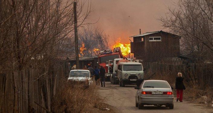 Пожар на окраине города Абакана.