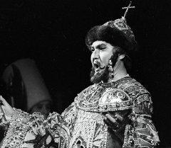 Кыргыздын белгилүү опера ырчысы Болот Миңжылкиев. Архив