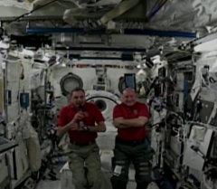 Представители экипажа МКС рассказали, чего им не хватает в космосе