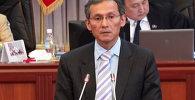 Жоомарт Оторбаев премьер-министрлик кызматтан кетип жатканын билдирди