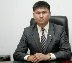 Транспорт жана коммуникация министринин орун басары Улан Уезбаев. Архив