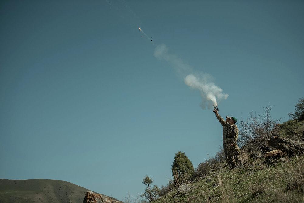 Машыгууну баштоого белги берген ракета асманга атылды.