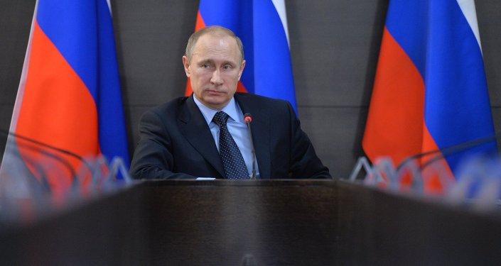 Путин Кыргызстандын ЕАЭБге кирүүсү боюнча келишимди Мамдумага жөнөттү