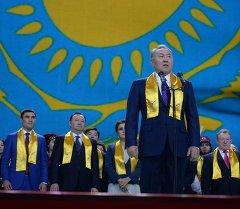 Нурсултан Назарбаев на праздничном концерте. Архивное фото