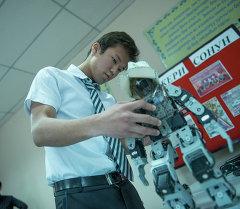 Ученики лицея собрали робота. Архивное фото