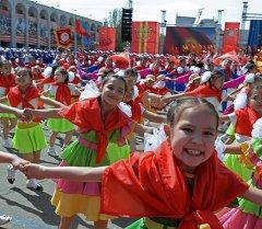 Жеңиштин мураскерлери парадынын катышуучулары. Архив