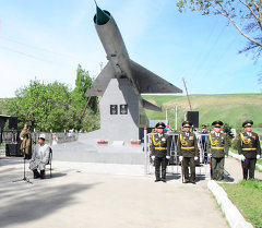 Открытие отреставрированного монумента героям ВОВ Таранчиеву и Ткачеву