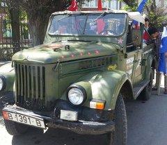 Бишкекте ретро машиналардын автожүрүшү