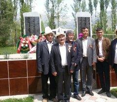 На Иссык-Куле открыли монумент, построенный на деньги от продажи коровы