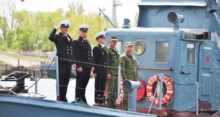 Военнослужащие испытательной базы Военно-морского флота России.