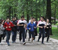 Кыргызстандын Street workout федерациясынын спортсмендери. Архив