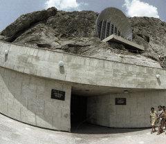 Ош шаарындагы Сулайман Тоодогу музейи. Архив