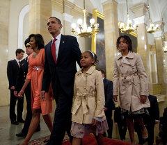 АКШ президенти Барак Обама үйбүлөсү менен. Архив