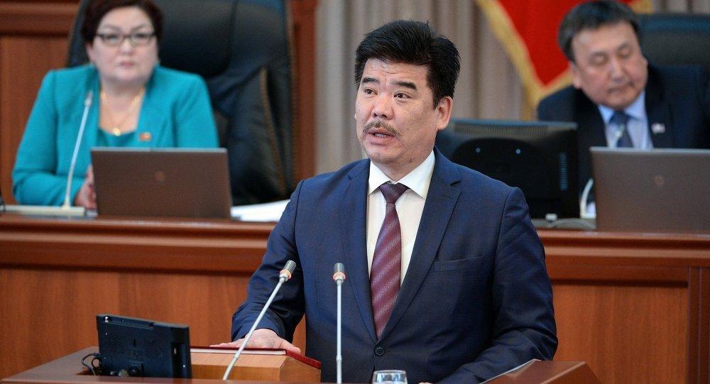Министр культуры, информации и туризма Кыргызской Республики Алтынбек Максутов. Архив