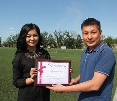 Мисс футбола Кыргызстана стала экс-полузащитник Абдыш-Аты  23-летняя Акеля Жумалиева. Архивное фото