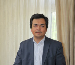 Президенттин алдындагы башкаруу академиясынын мурдагы ректору Чыңгыз Шамшиев. Архив