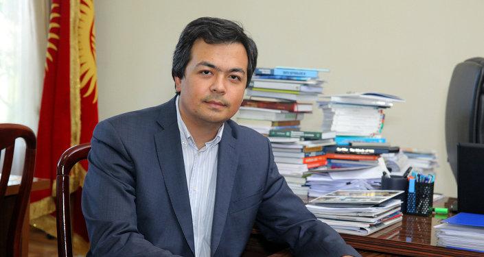 Экс-ректор Академии государственного управления при президенте Кыргызстана Чингиз Шамшиев. Архивное фото