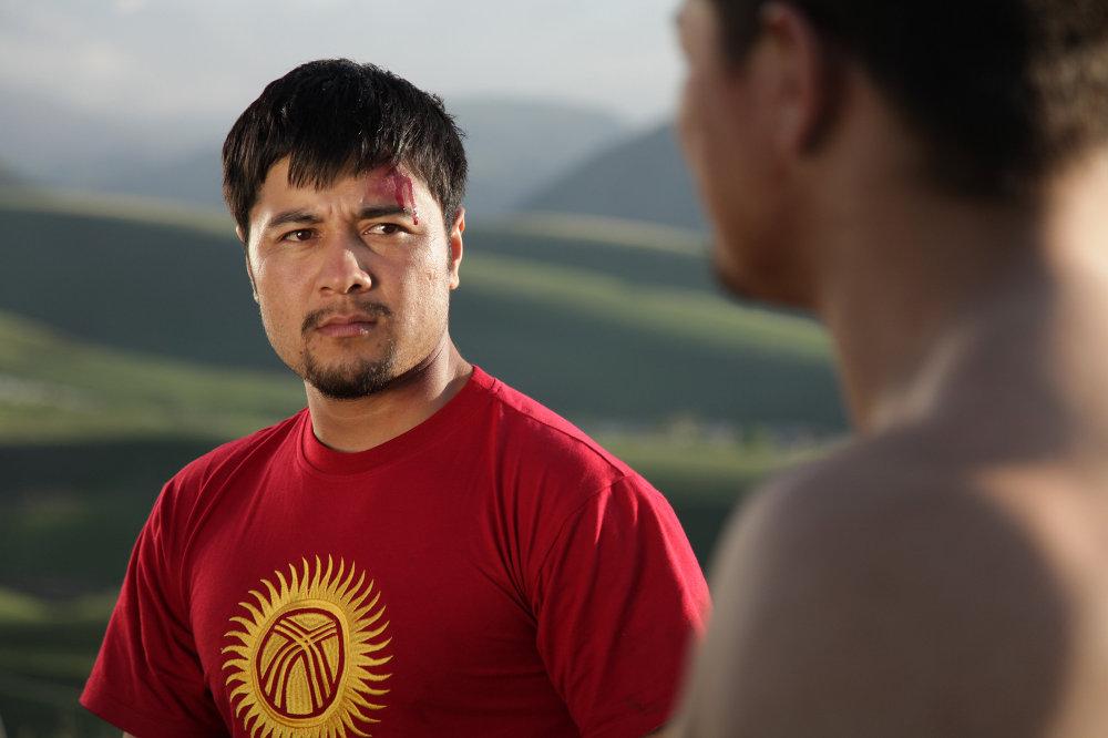 Азамат Арыков станет известен в Кыргызстане как актер и режиссер отечественных блокбастеров.