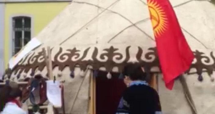 Кыргызскую юрту поставили в центре Бонна