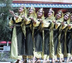 Таджикский танцевальный ансамбль. Архивное фото