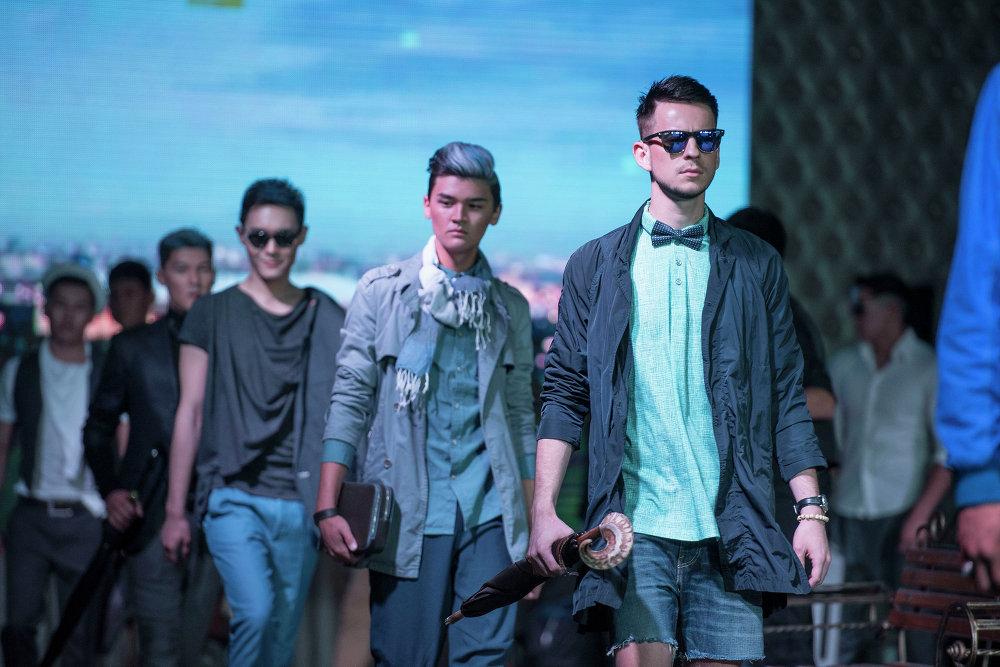 Fashion Show-2015 – эркектердин кийимдерин көрсөтүү.