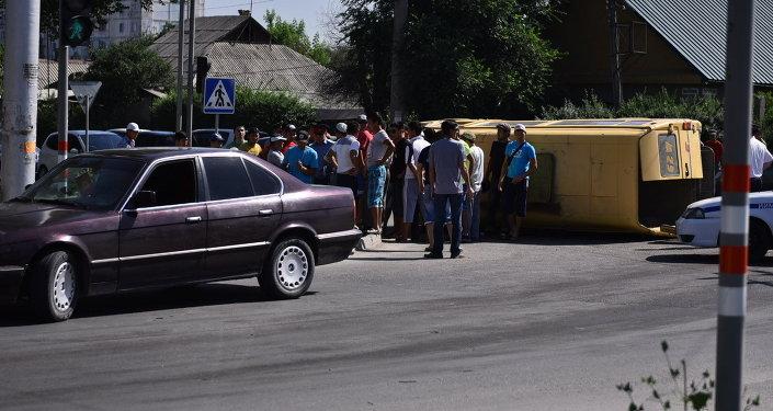 Дорожно-транспортное происшествие на улице Тимура Фрунзе