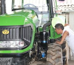 Тракторы под отечественной маркой TOPOZ. Архивное фото