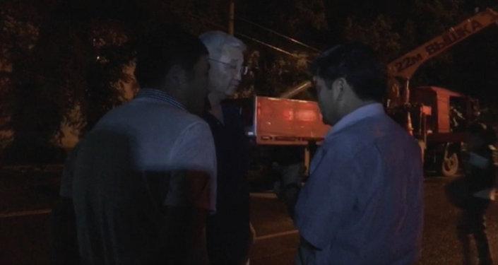 LIVE: Мэр Бишкека о последствиях ветра и их ликвидации