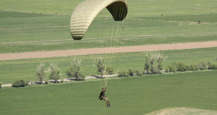 Бойцы Генерального штаба Вооруженных сил провели недельные сборы по парапланетарной подготовке с подразделениями спецназа и разведчиков Вооруженных сил КР.