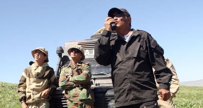 Сборы проходят на базе центра боевой подготовки Генштаба с участием военнослужащих Генерального штаба ВС, ГПС, Национальной гвардии КР.