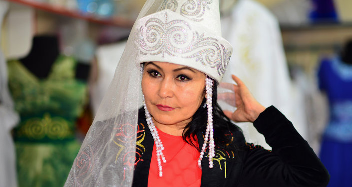 Актриса, уз жана ишкер Сайра Момунбаева.