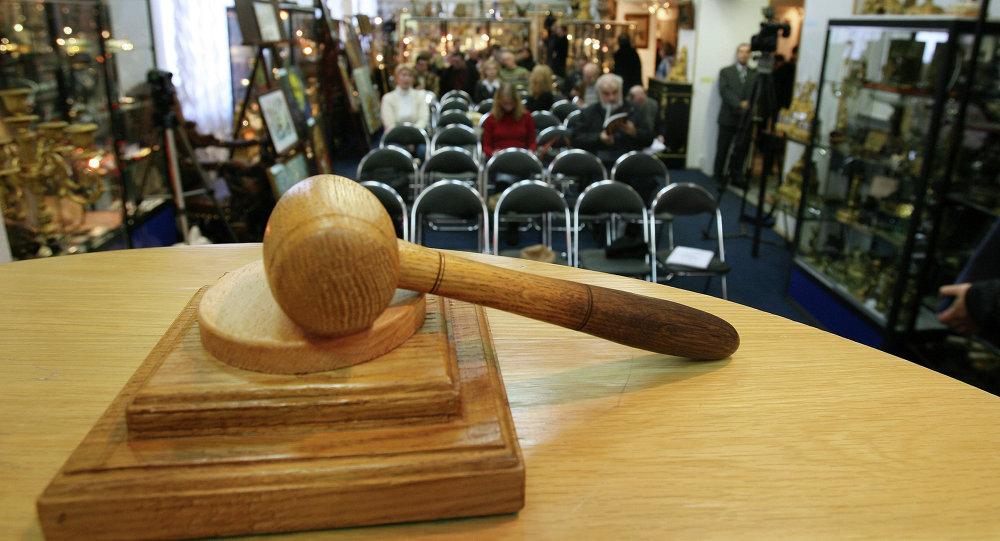 Атамбаев подписал закон о проведении аукционов в электронном формате 0c5bae7ec28