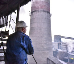 Сотрудник ТЭЦ в Бишкеке. Архивное фото