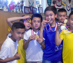 Юные фуиболисты республиканской спортивной детско-юношеской школы олимпийского резерва (РСДЮШОР) по футболу.