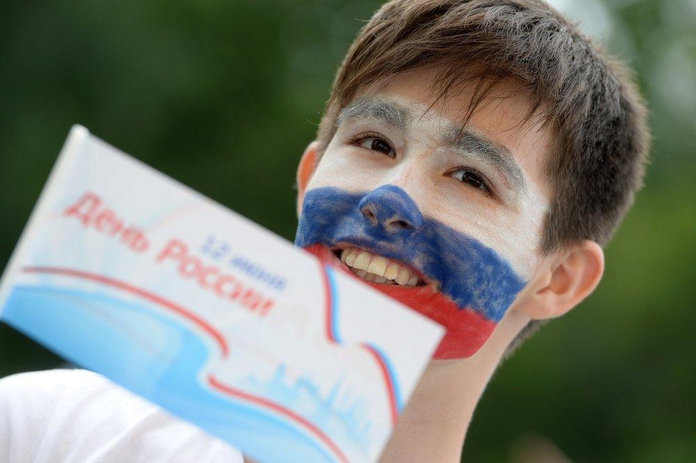 День России отпраздновали в Казани на территории Центрального парка имени Горького. Для гостей праздника были организованы различные развлекательные мероприятия.