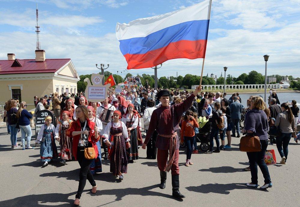 Международный фестиваль народного искусства и ремесел Садко состоялся в День России в Великом Новгороде.