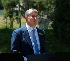Президент КР Алмазбек Атамбаев. Архив