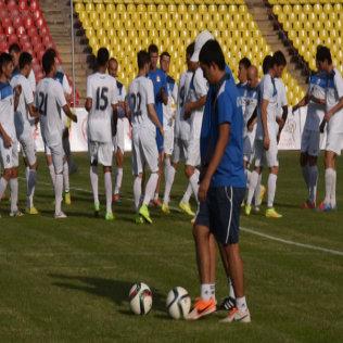 Футбол: беттеш алдындагы кыргызстандык оюнчулардын машыгуусу