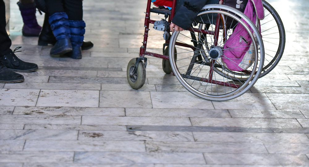 Коляска инвалида. Архивное фото