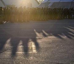 Военнослужащие на утренней постройке. Архивное фото