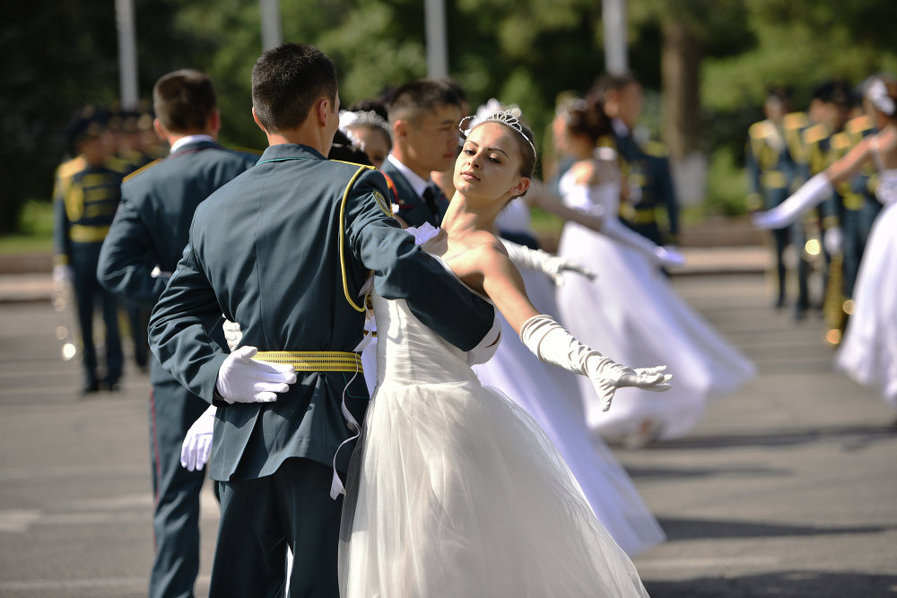 фото морские офицеры в танце торты для стоматологов