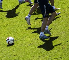 Футболчулардын машыгуусу. Архивдик сүрөт