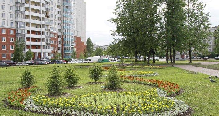 Санкт-Петербургдагы КР эл жазуучусу Чыңгыз Айтматов атындагы сквер ремонттон кийин ачылды.