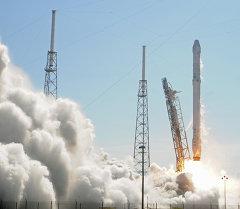 Америкалык ракета Falcon 9 учуруу мезгилинде. Архив