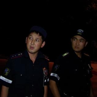Снимок экрана с видео Очень срочно! ДПС г.Бишкек. Вымогательство, беспредел, погоня. Архивное фото