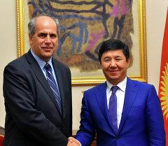 Премьер-министр Темир Сариев Европа биримдигинин Борбор Азия боюнча атайын өкүлү Петер Бурианды кабыл алды.