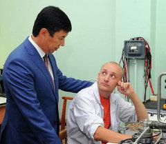 Сариев: Кыргызстандын коргонуу-өнөр жай ишканалары атаандаштыкка жөндөмдүү